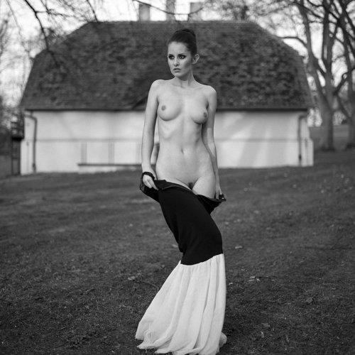 Angela Bartek Ninoveron Amateur Fine Art Photographer Ftvhunter 1