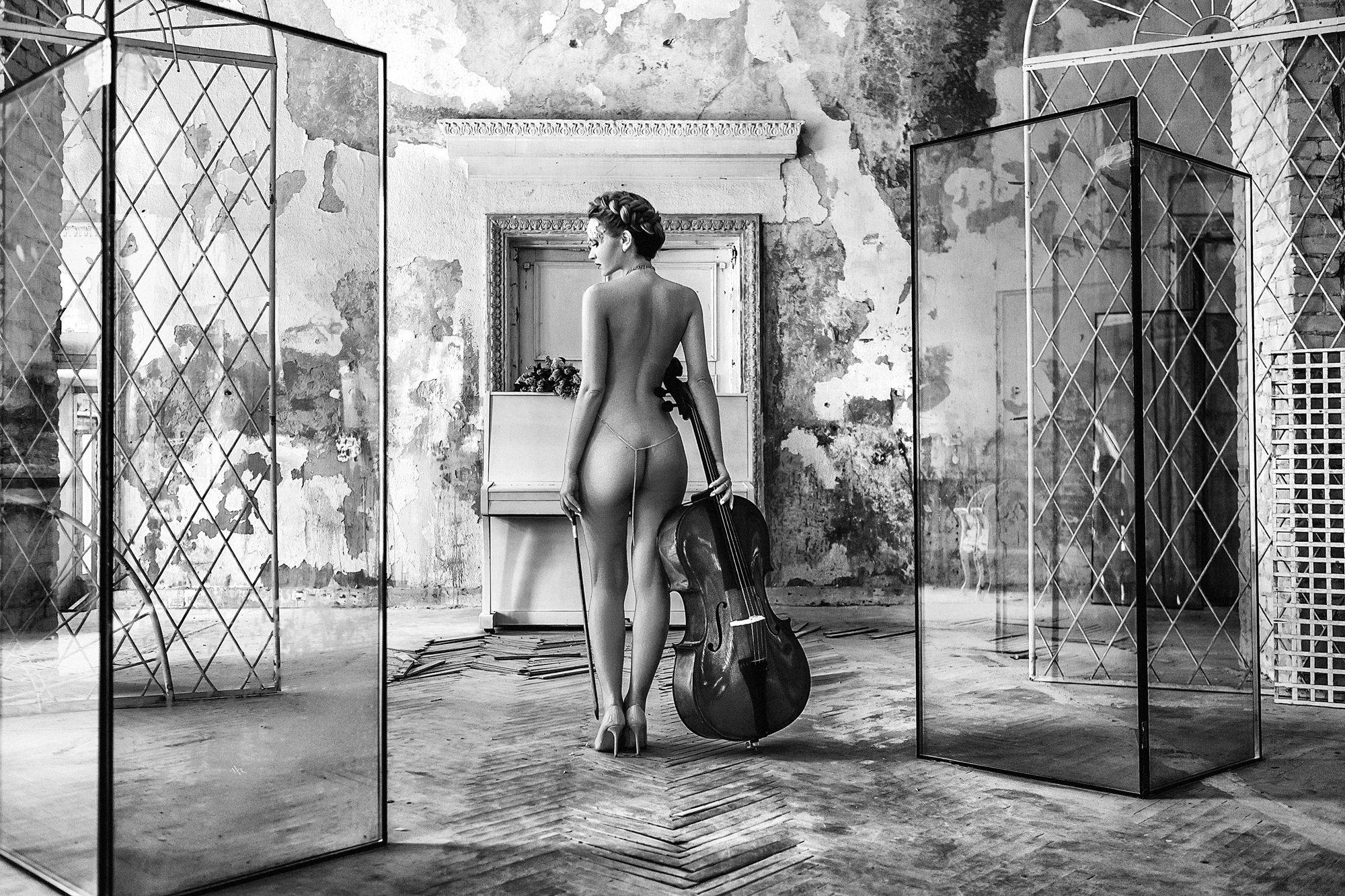 woman, portrait, nude, indoors, blackandwhite, natural light, conceptual, Руслан Болгов (Axe)