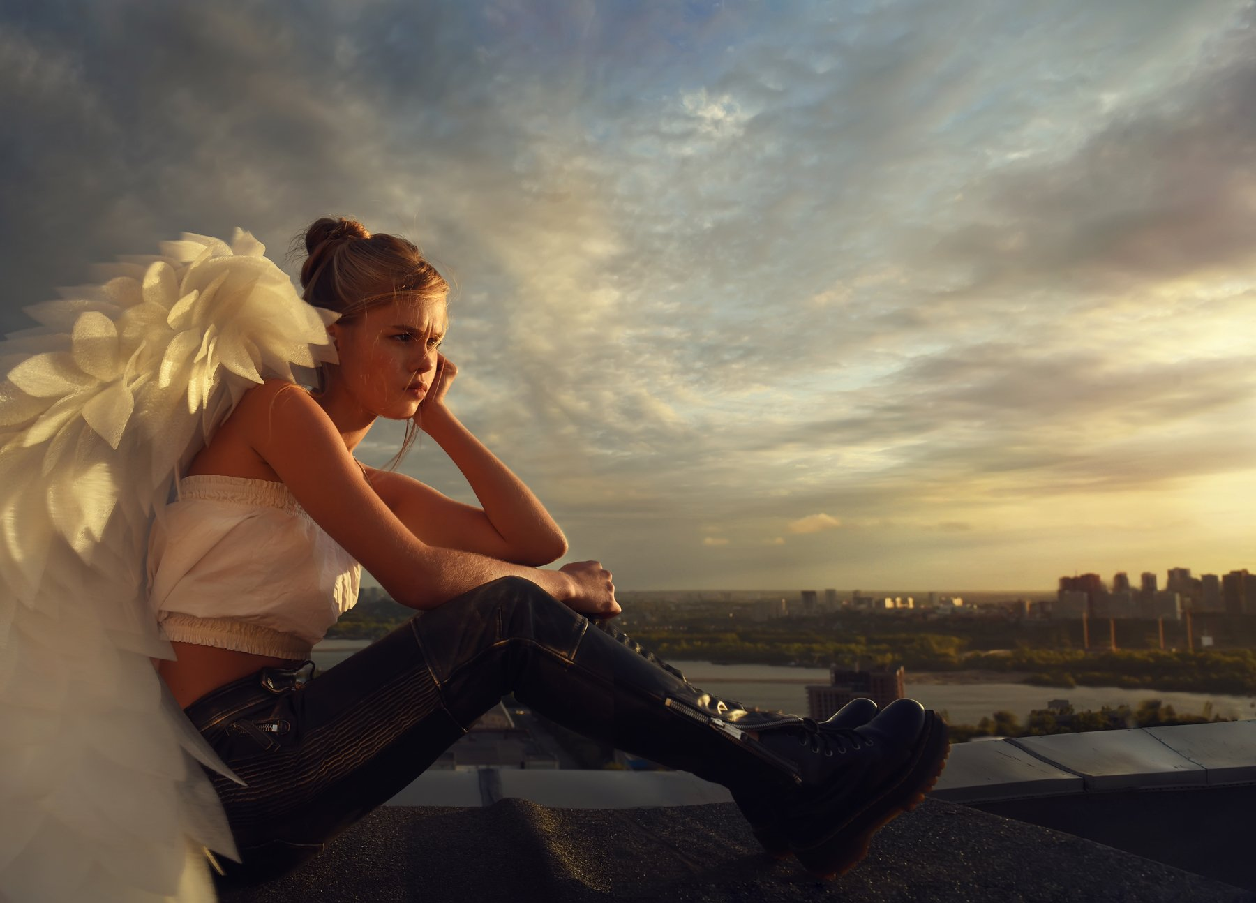 #love #angels #amour #sky #child #girl #boy #gun #beretta #ангелы #крыша #myths #ancient #beauté #photographyart #rooftop #rooftops #roofing  #photostory #love #conceptualphotography #art #photoart #anges #conceptual, Olli Ogneva
