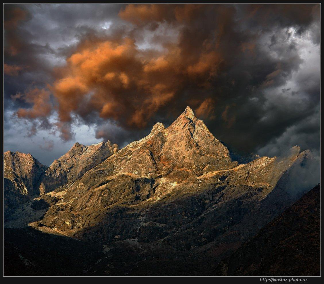 закат, горы, облака, гималаи, Николай Стюбко