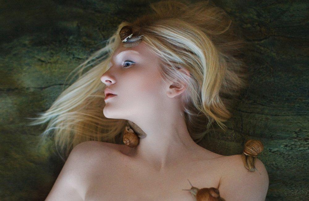 Альбинос, Белая кожа, Блондинка, Девушка, Дневной свет, Поле, Студия, Улитки, Ундина, Эльф, Исмаилова Александра