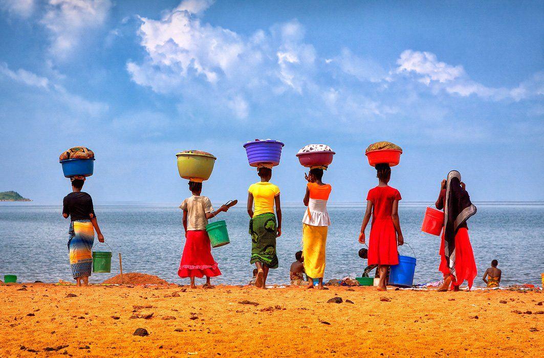 Африка, Женщина, Озеро, Стирка, Танганьика, Танзания, Цвет, Бирюков Юрий