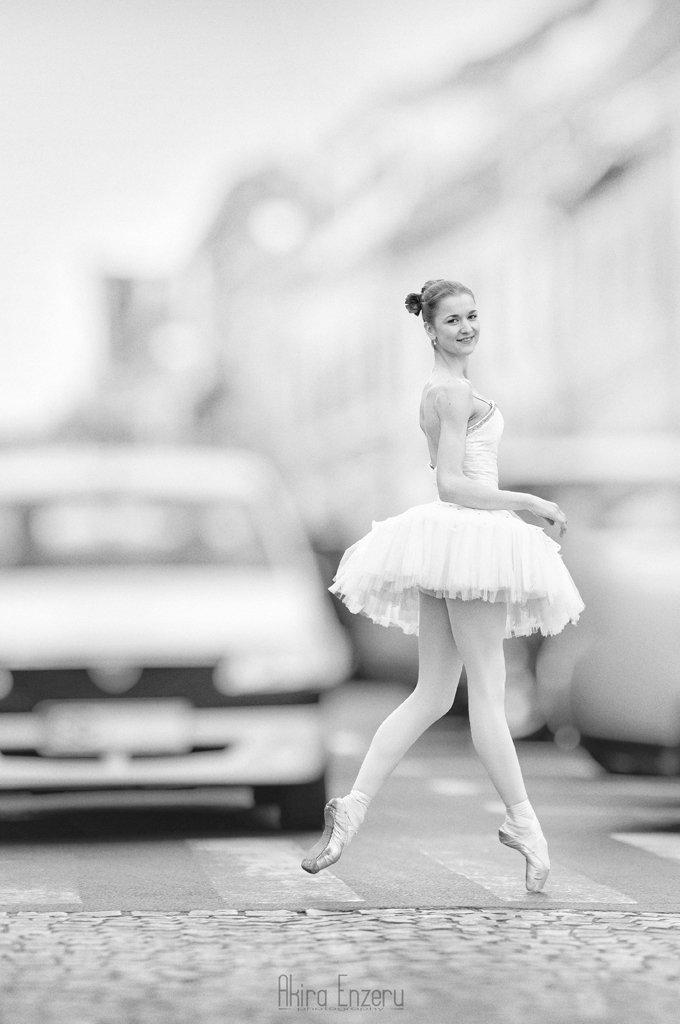 Ballerina, Ballet, Black & white, City, Street, Akira Enzeru
