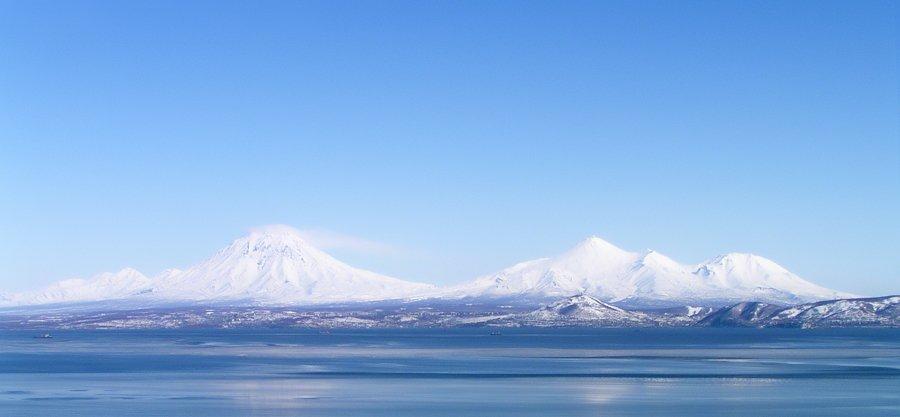 камчатка,небо,вулканы,петропавловск-камчатский,авачинская губа,зима, Евгений Пугачев.