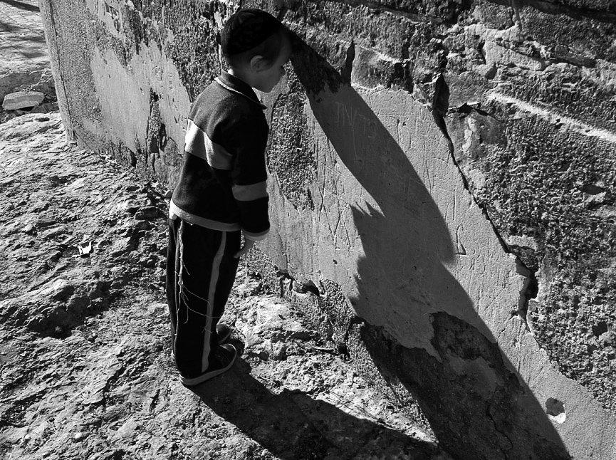 израиль,хеврон, ребенок, молитва, свет-тень, Maxim_Shamota