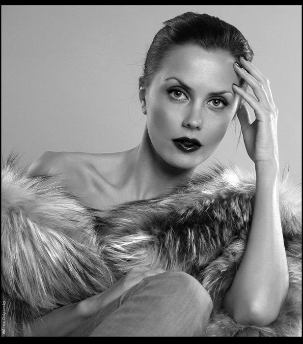 девушка, чб, рука, стиль, мех, Valerie Osipovsky