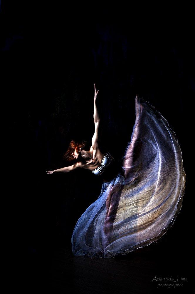 танец прыжок юбка девушка, Atlantida  Lima