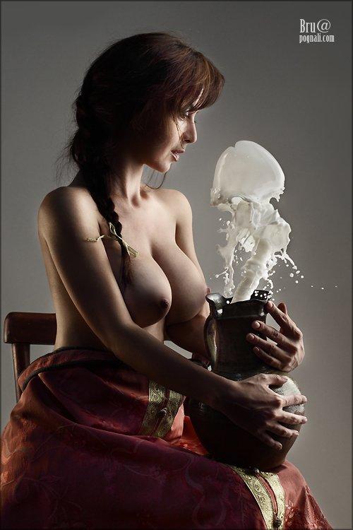 девушка, кувшин, молоко, Брушша
