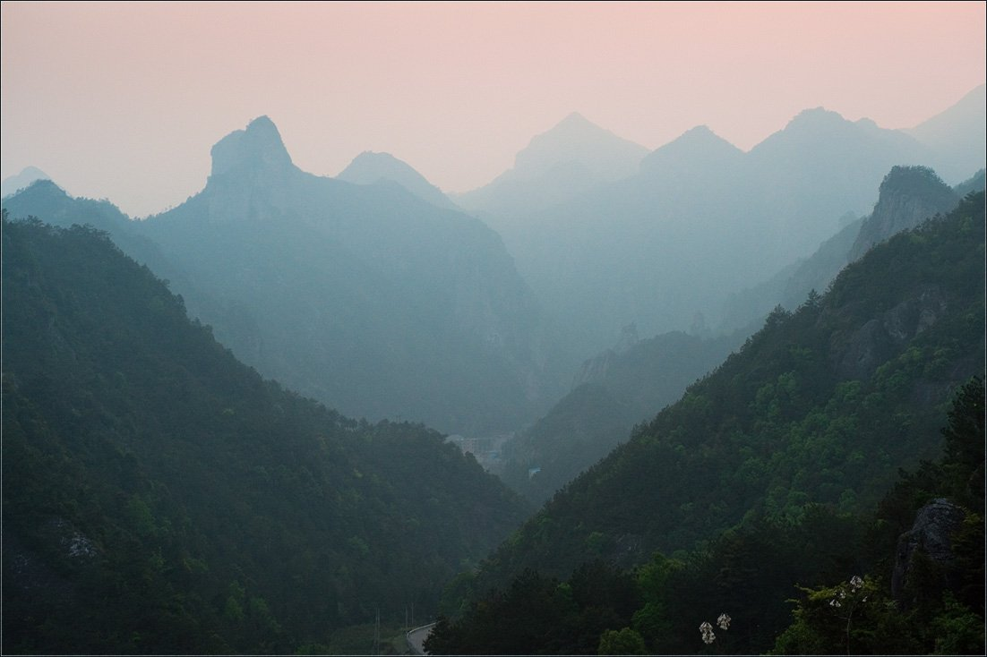 горы, дымка, китай, пейзаж, природа, путешествие, сумерки,вечер, Александр Константинов
