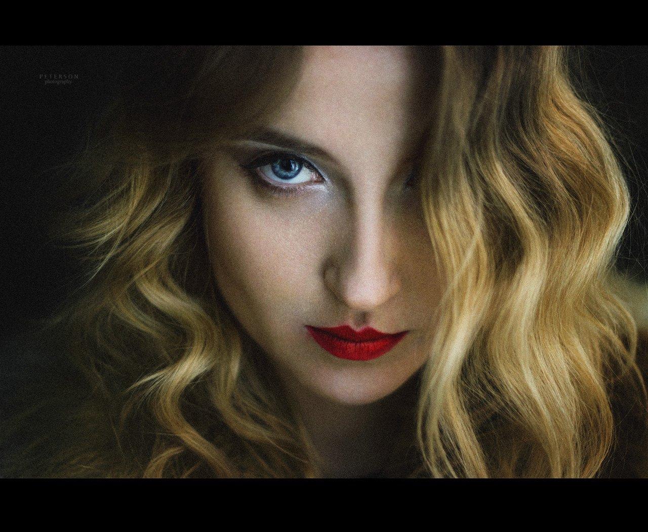 губы красная помада блондинка девушка красота голубоглазая джокер, Петерсон Юлия