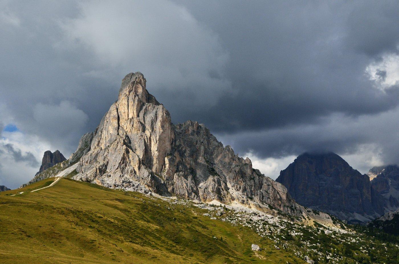 italy, dolomites, passo giau, италия, доломитовые альпы, пассо джау, горы, тучи, Олеся Боева