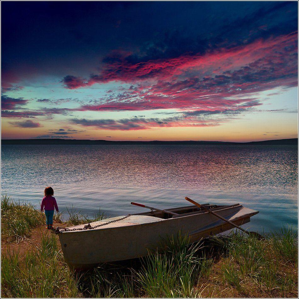 ассоль, багровый, беле, берег, большой, вечер, вода, далекий, даль, девочка, ждать, закат, зеленый, красный, лодка, маленький, небо, облака, озеро, оранжевый, отдых, отражения, пейзаж, природа, путешествия, ребенок, синий, трава, тучи, хакасия, Дмитрий Антипов