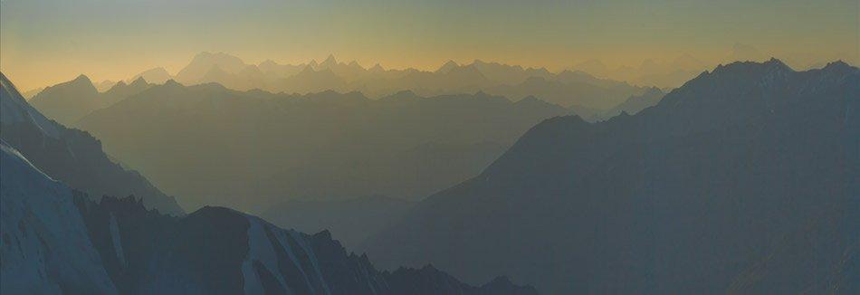 памир 2009, поход,  под перевалом, высота 5800м, Андрей Chogori Громов