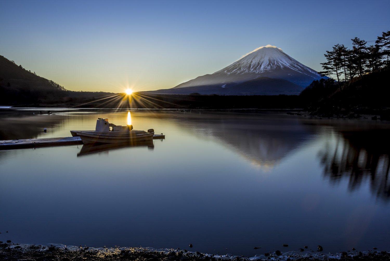 Fuji,mountain,Japan,sunrise,lake,water,reflection,boat,tree,snow,winter,blue,sunshine,, Takashi