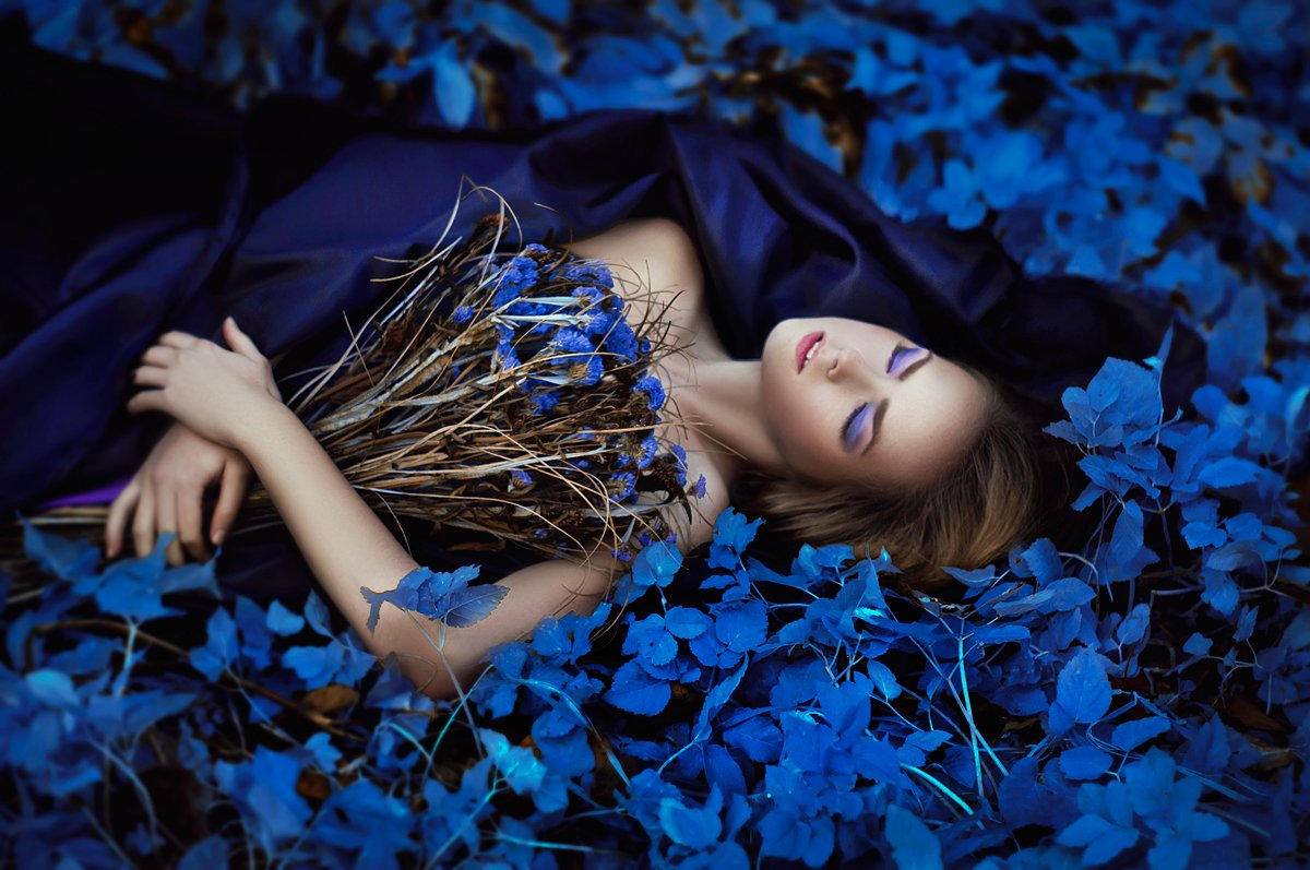 azure, blue, flowers, girl, glamour, model, nikon, nikon d90, portrait, style, Kerry Moore