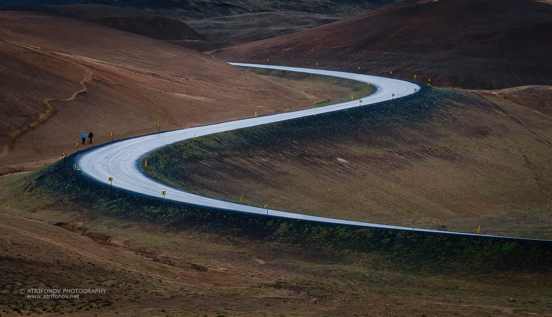 Iceland, road, travel, North Iceland, people, walking, future, lines, S- line, rainy, Namascard, Andrey Trifonov