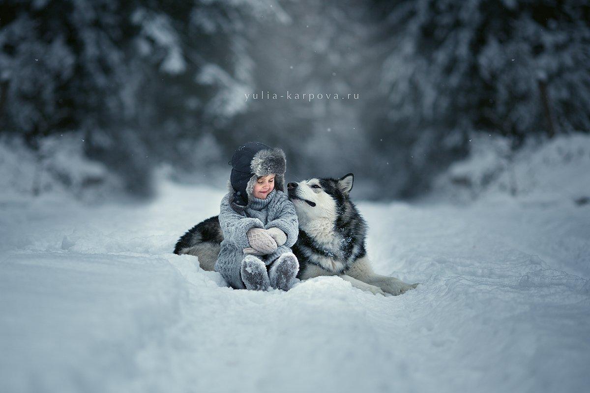 child, kid, dog, malamute, Юлия Карпова