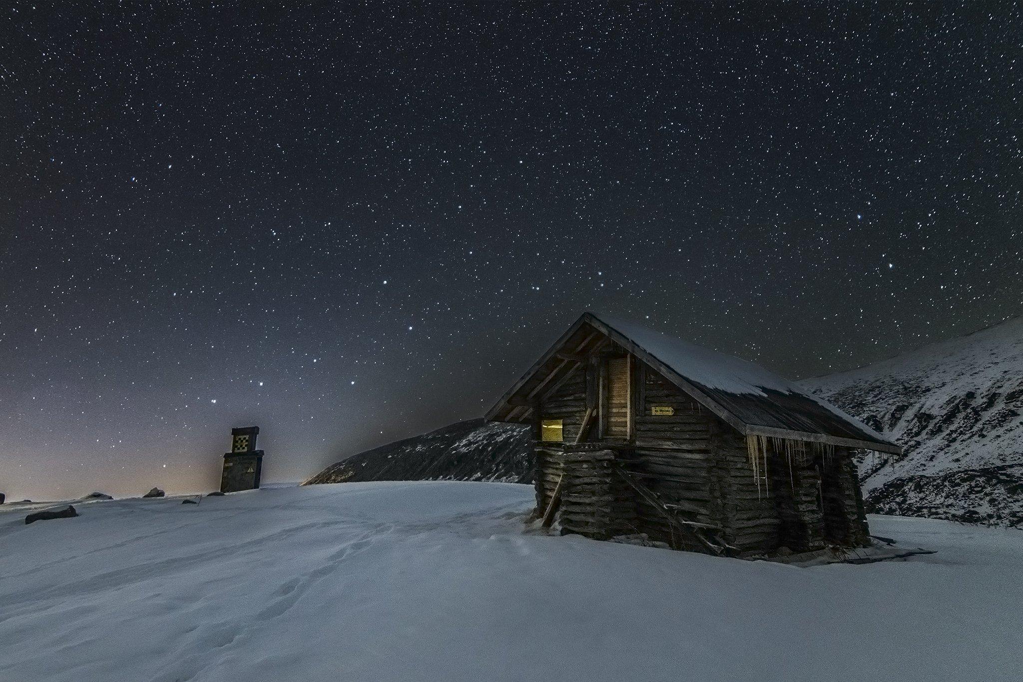 musala, mountain, hut, snow, stars, sky, dark, Nikolai Alexiev