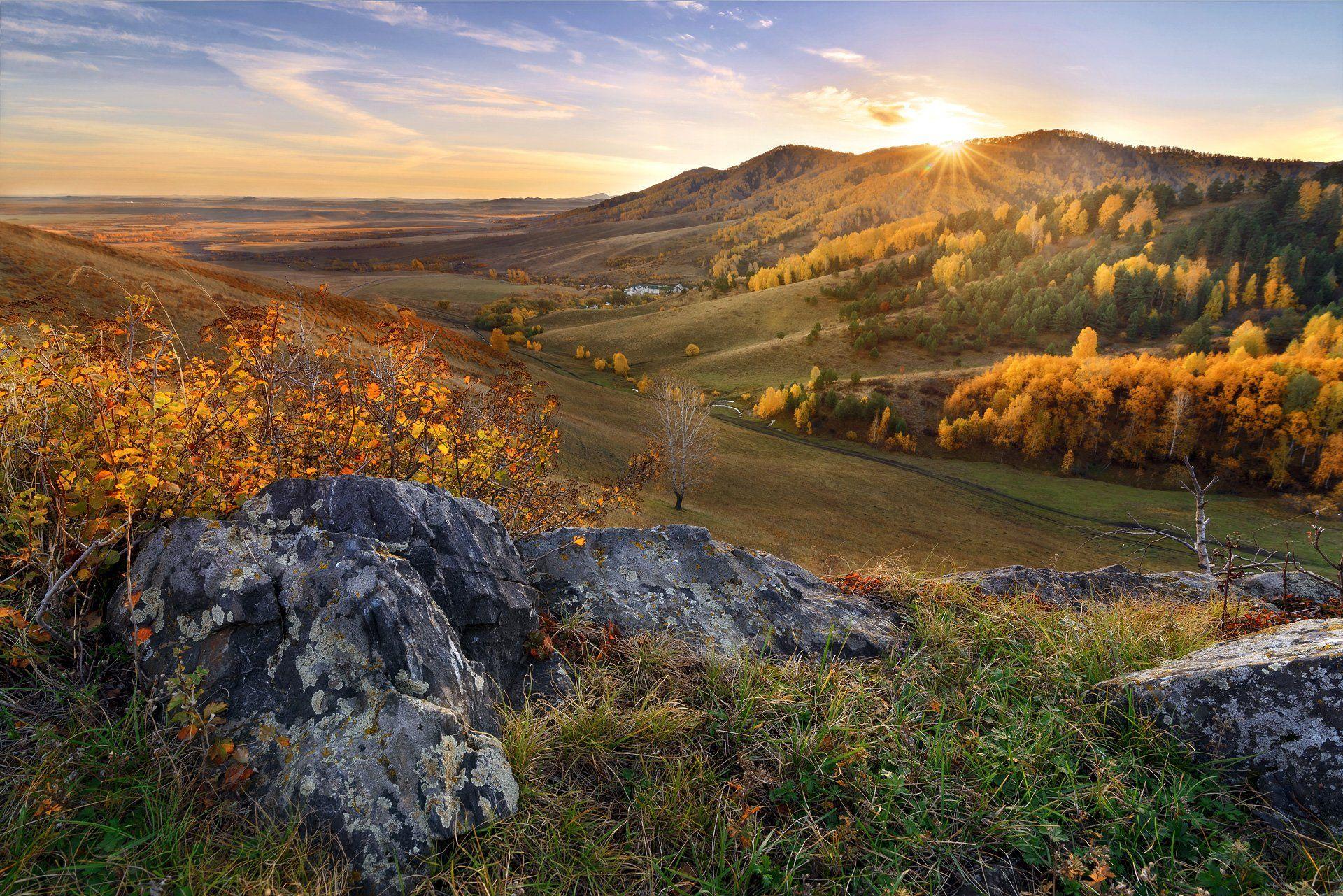 утро, восход, скалы, горы, заря, солнце, алтай, белокуриха, осень, лес, желтый, Павел Силиненко