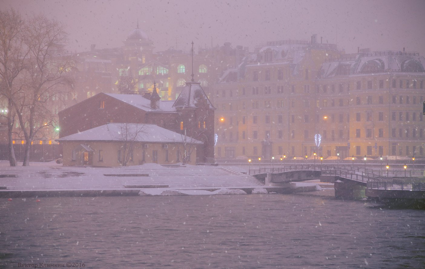 вечер, город, зима, москва, москва-река, река, снег, снегопад, Виктор Климкин