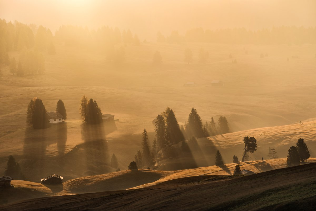 Italy, Dolomites, autumn, autumn landscape, sun, rays, alpe di siusi, mountains, beautiful place, travel, mist, fog, meadows, Südtirol, alps, Tomáš Morkes