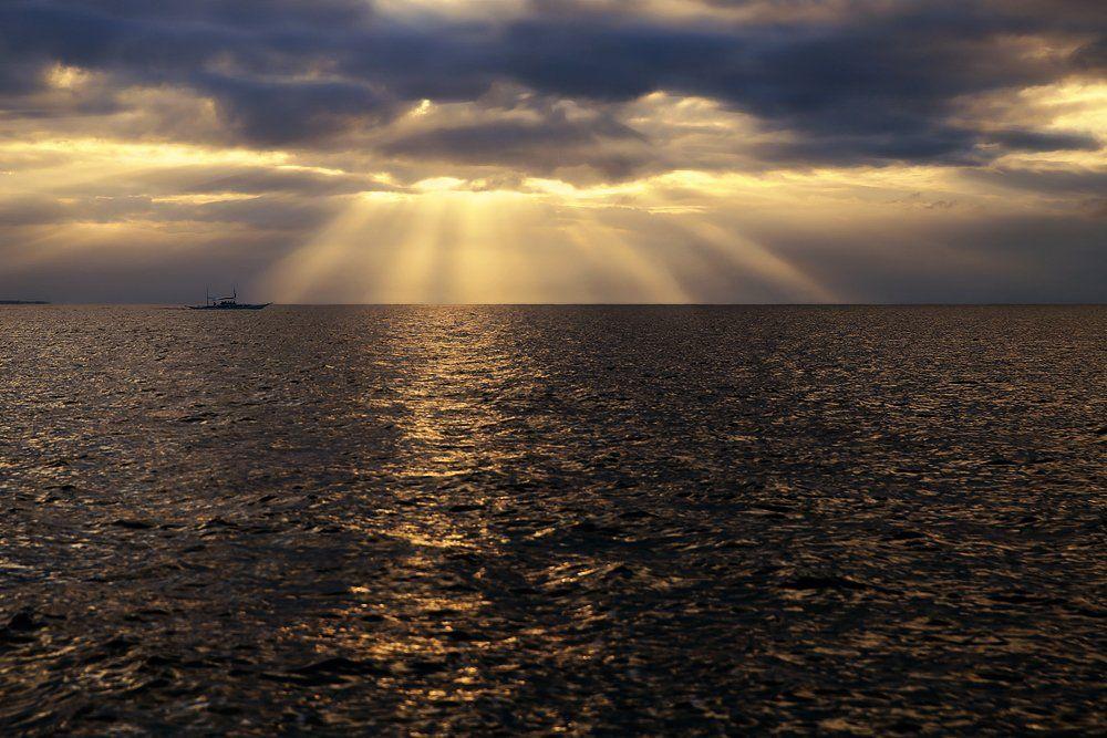 вода, горизонт, индийский океан, лодка, лучи, облака, тучи, Алла Соколова
