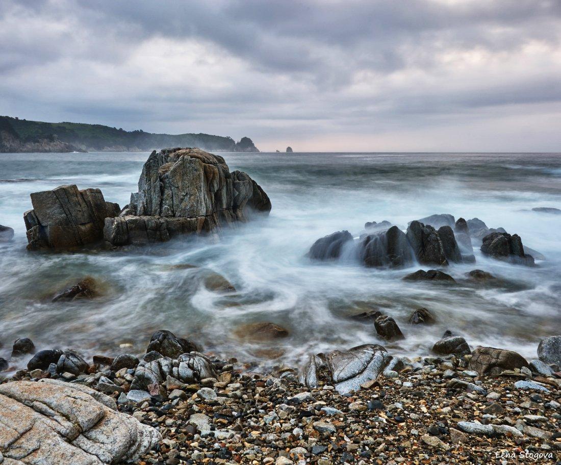 Пасмурно, Японское море, Лена Стогова
