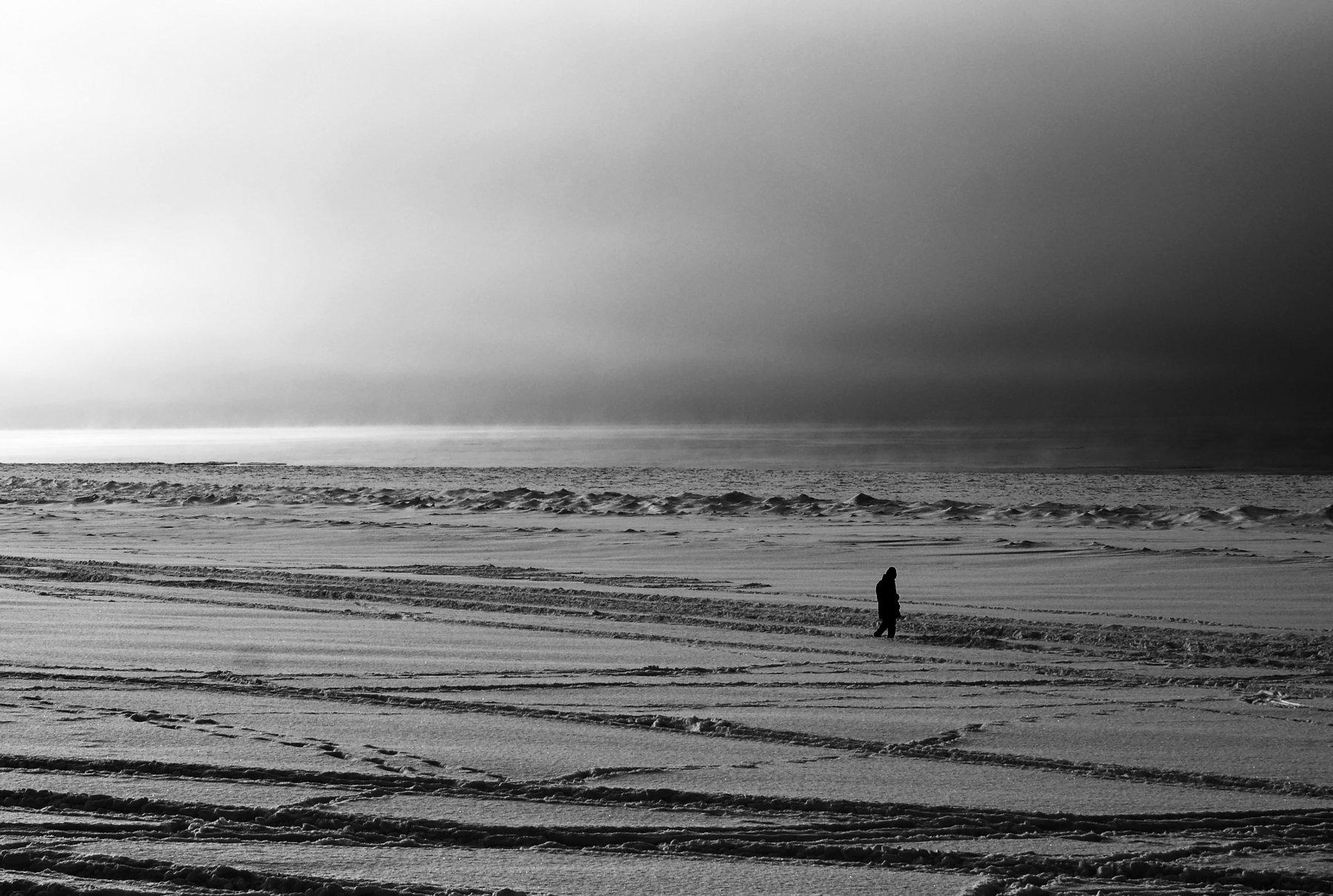 мороз, пляж, снег, черное белое, человек, Анастасия Волкова