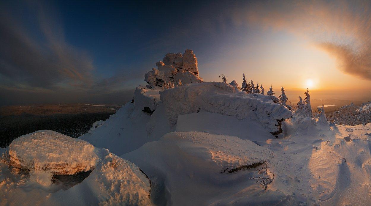 пейзаж,россия,солнце,деревья,снег,тучи,облако,солнце,снег,камни,горы,перспектива,samyang,sky,sun,panorama, Истомин Виталий