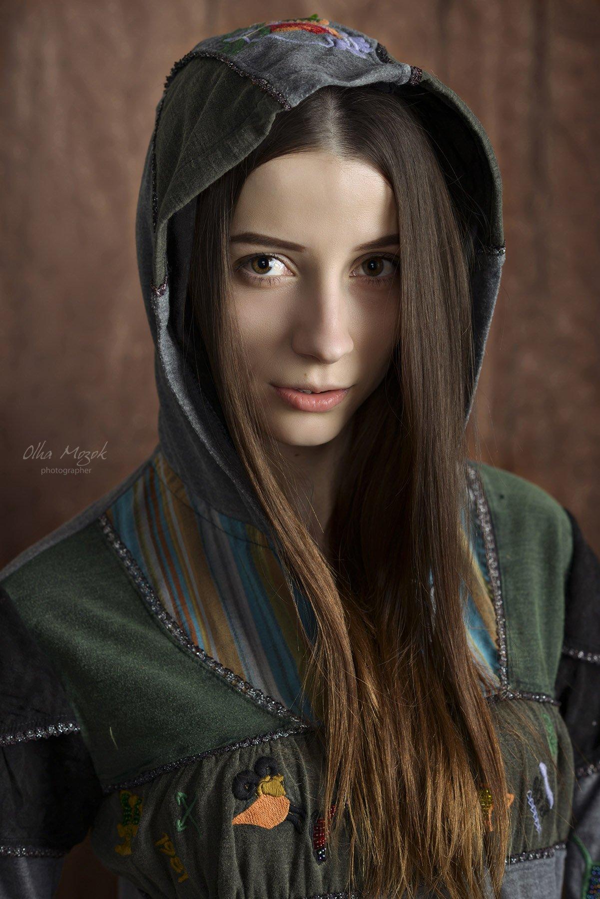 Глаза, Капюшон, Лицо, Портрет девушки, Фото, Фотограф, Фотография студийная, Olga  Mozok