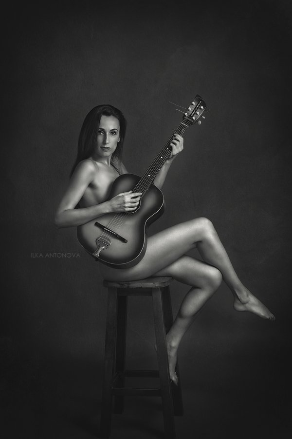 portrait, fine art, nude, erotic, sexy, woman, model, guitar, Ilka Antonova