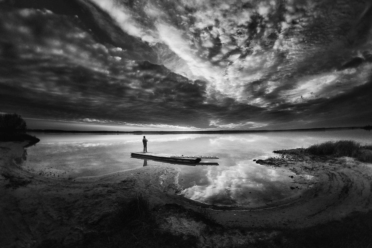 вода, отражение, мальчик, небо, облака, плот, Афиногенова Татьяна
