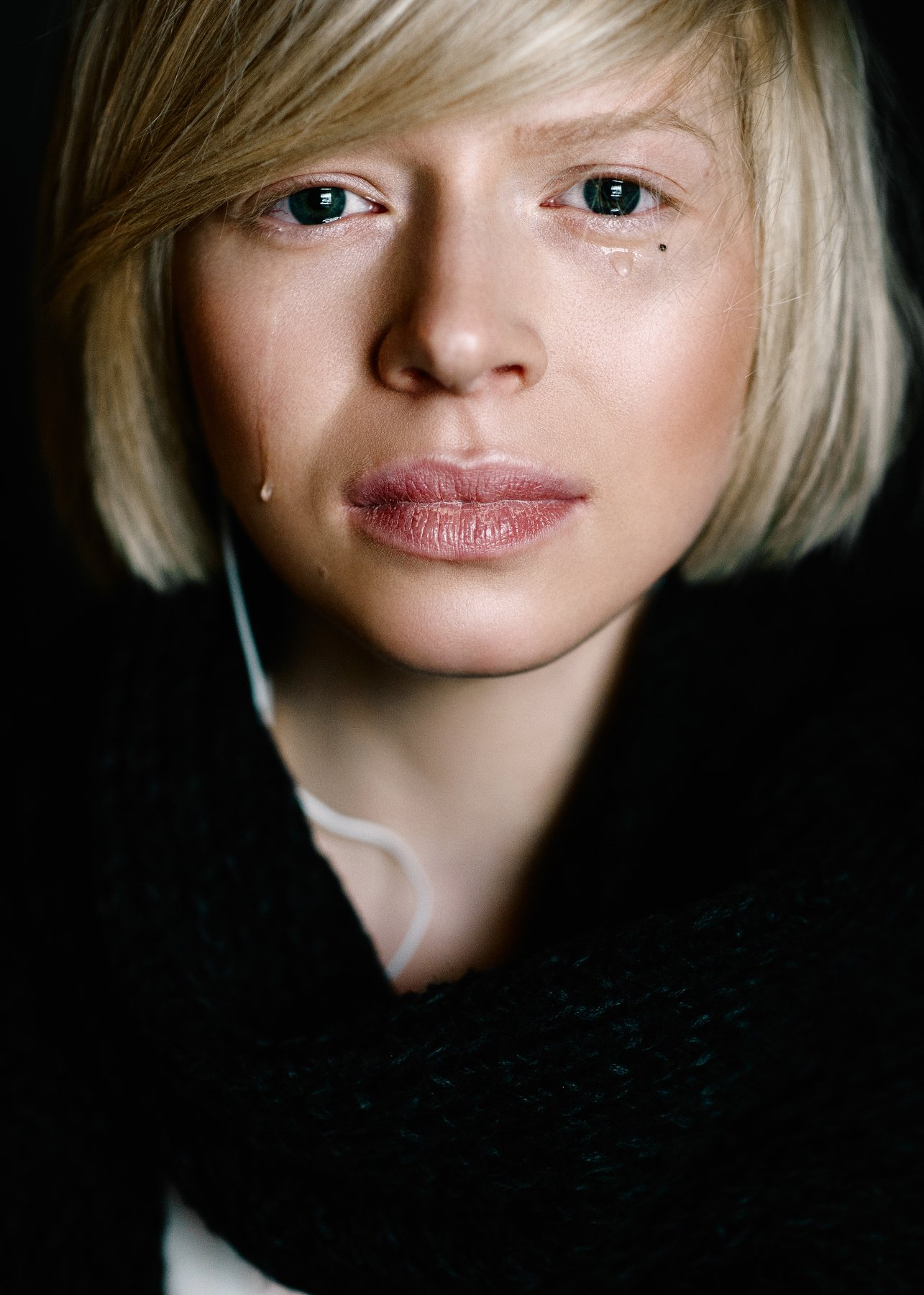 girl, cry, blond, beauty, portrait, Nikita Korokhov