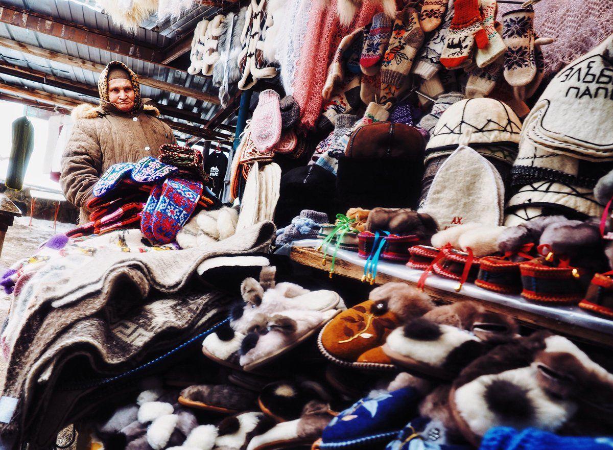 портрет, рынок, бабушка, шерсть, валенки, товар, кавказ, приэльбруьсе, чегет, зима, portrait,  caucasus, winter, elbrus, Осадчая Алеся