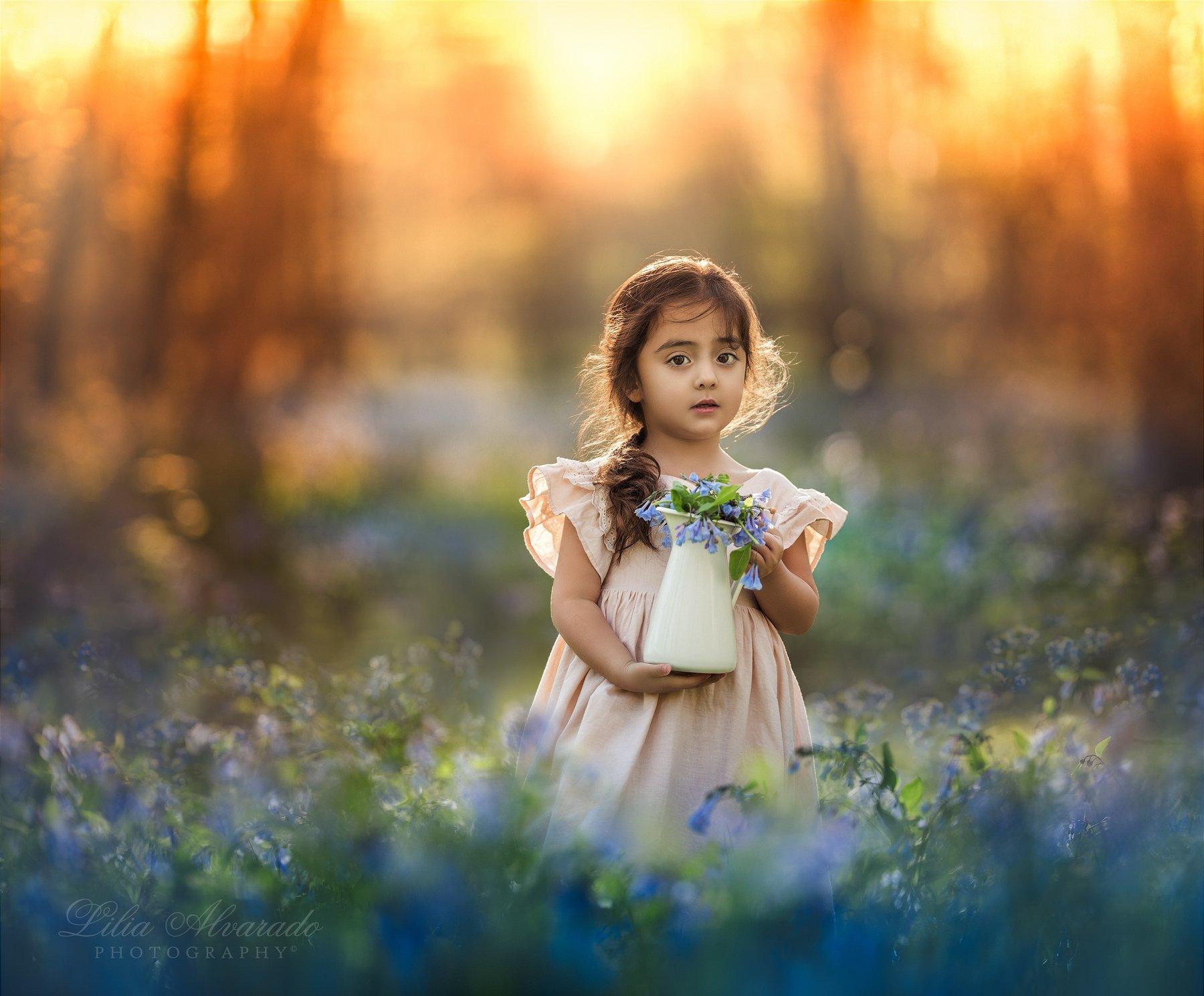 canon,200mm,flowers,forest,spring,childhood,golden,natural,light,hour,brunette, Lilia Alvarado