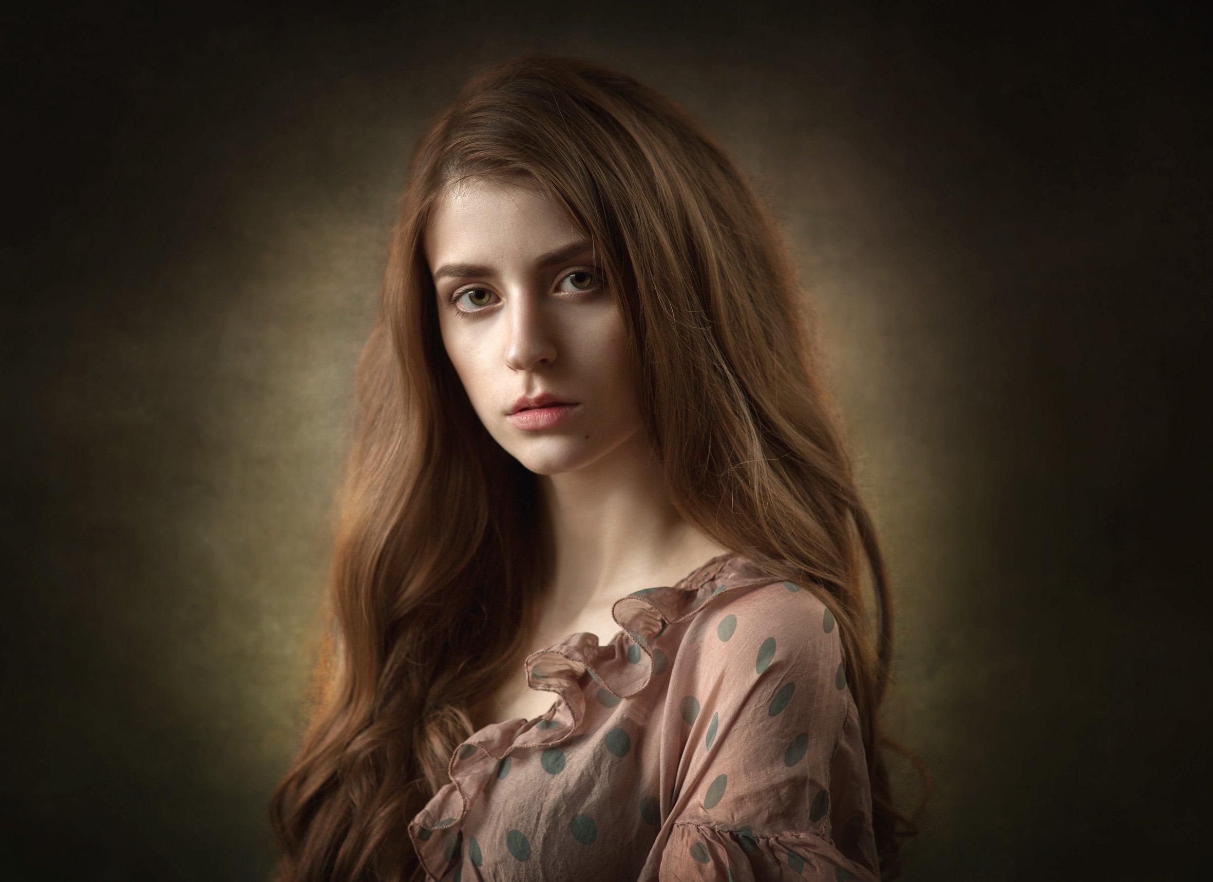 портрет девушки, студия, естественный свет, Бутвиловский Дмитрий