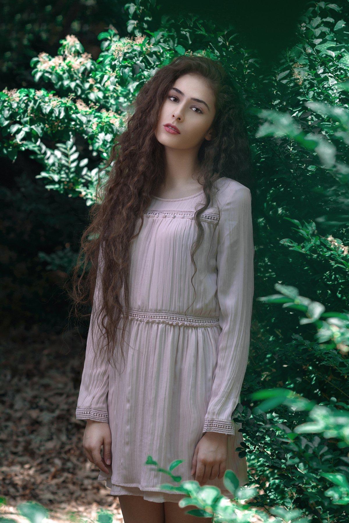 Beautifull,portrait,natural,light,girl,hair, Amirhossein kazemi