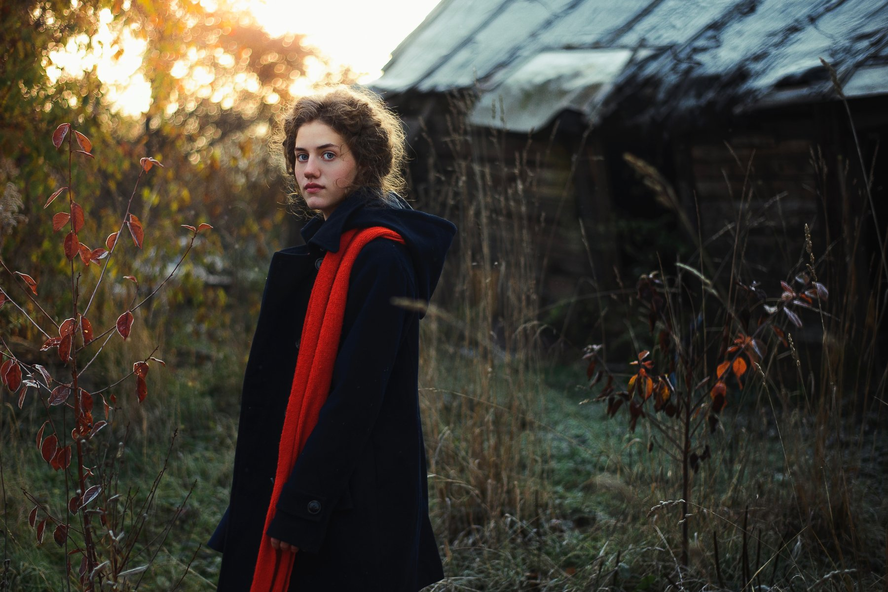 girl, portrair, катя, девушка, деревня, дом, портрет, шарф, Лена Коровашкина
