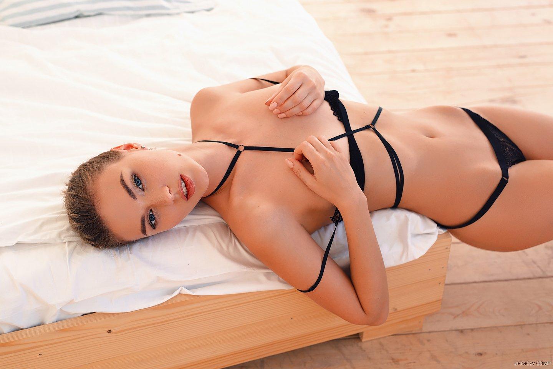 girl, bedroom, eyes, lips, Александр Уфимцев