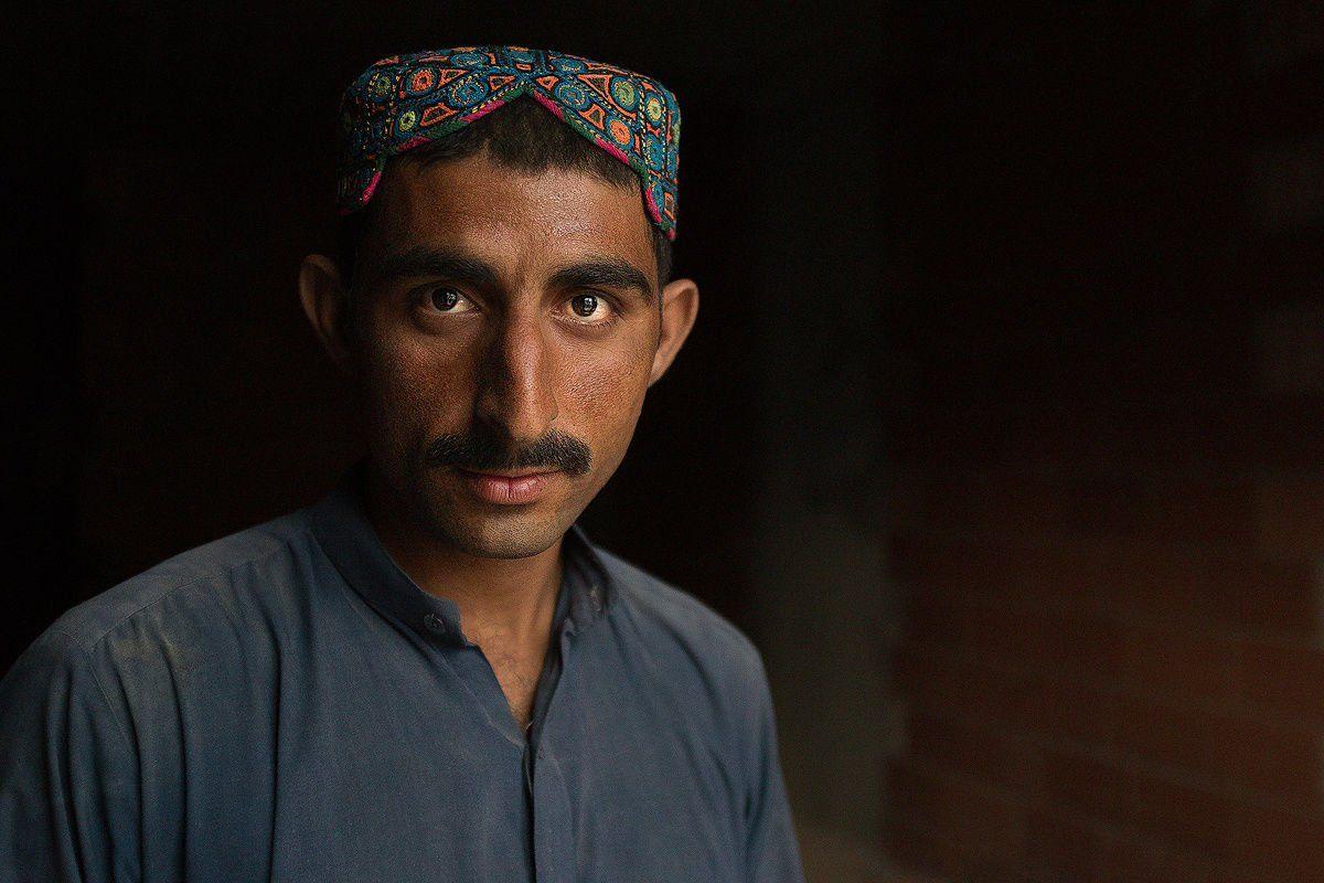 Sindhi, cap, Naja Helal
