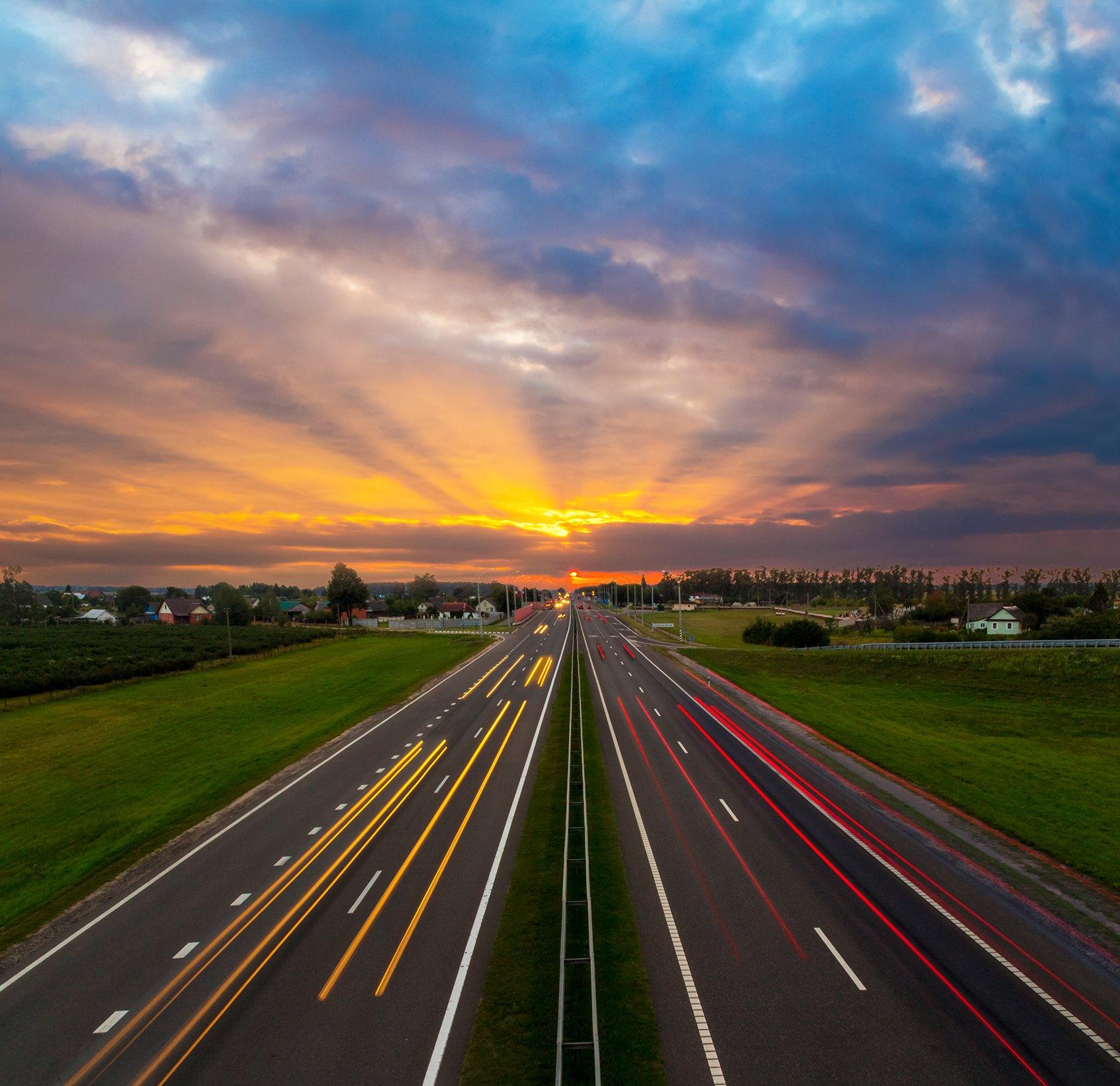 Дорога, закат, скорость, деревня, солнце, Фото Брест