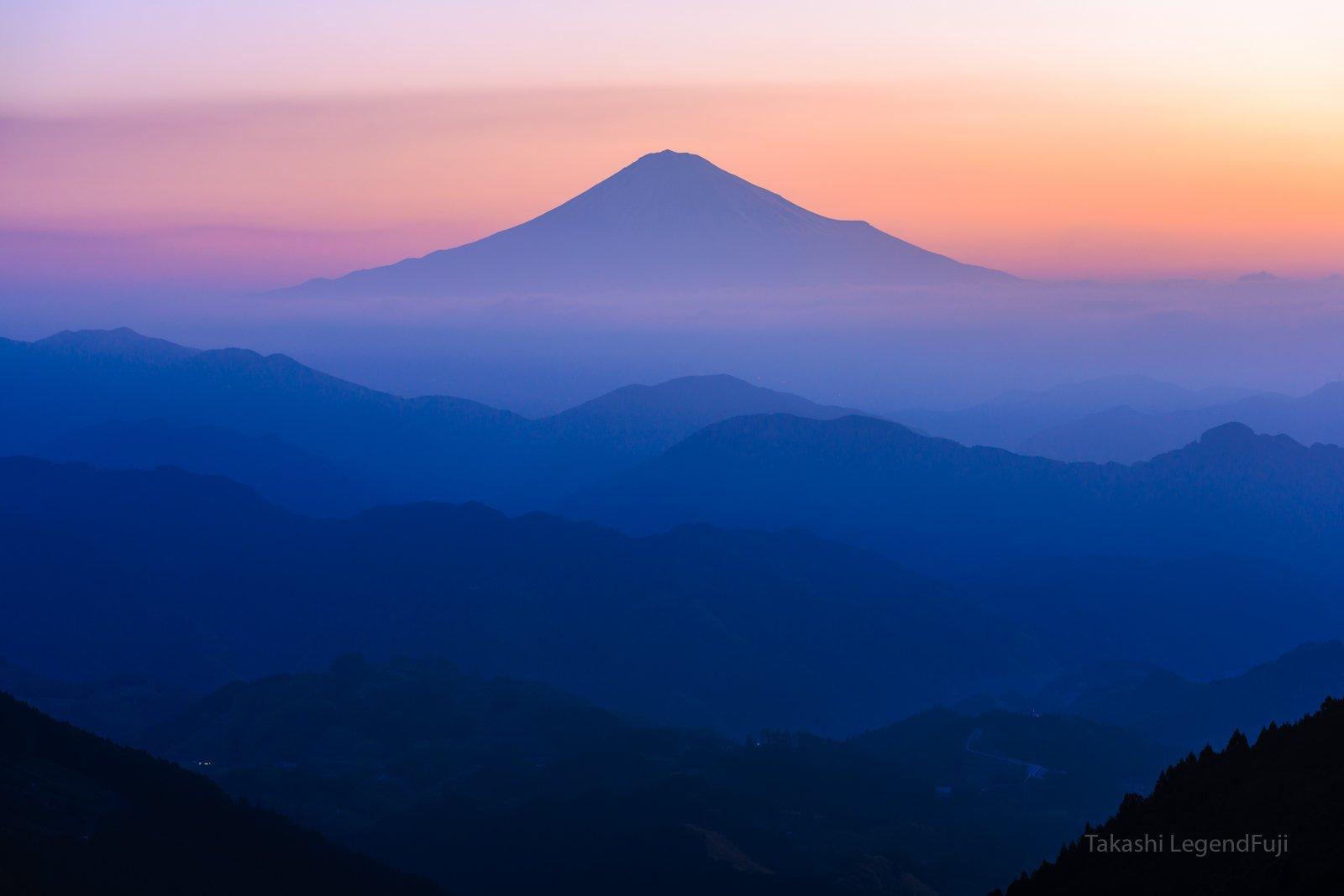 fuji,mountain,sky,haze,pink,morning glow,blue,, Takashi