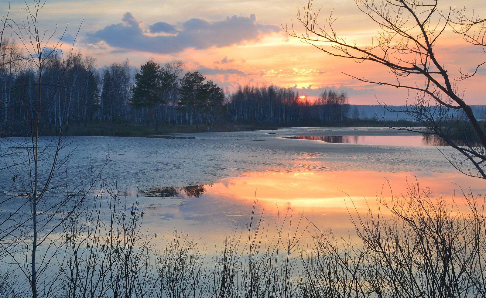 весна, апрель, вечер, дымка, тишина, закат, небо, озеро, лёд, пейзаж, природа, Irina Shapronova