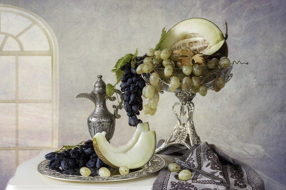 натюрморт, дыня, виноград, кувшин, ваза, поднос, Ирина Приходько