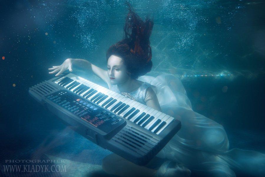 подводой, женщина, девушка, пианино , Петр Кладык