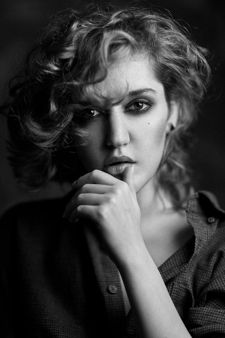 portrait, headshot, girl, model, retouching, studio, lighting, canon, 85mm, mohammad hossein