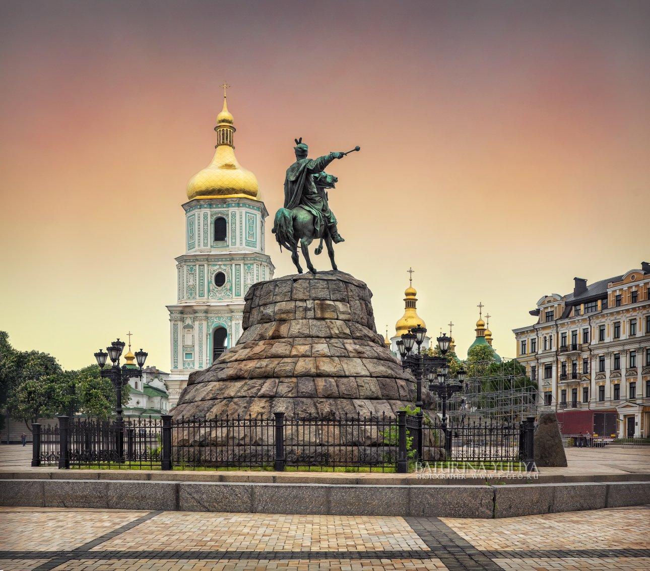 украина, киев, хмельницкий, памятник, софийский собор, Юлия Батурина