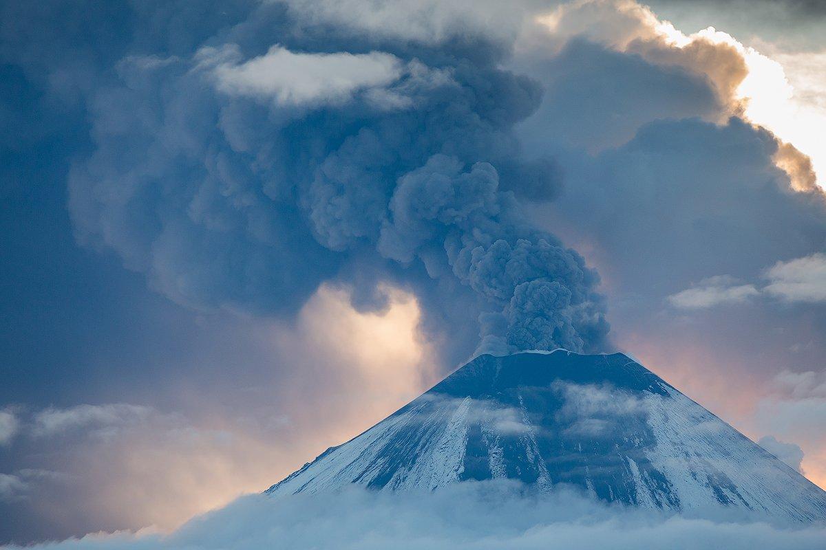 Вулкан, Извержение, Камчатка, Пепел, Рассвет, Снег, Денис Будьков