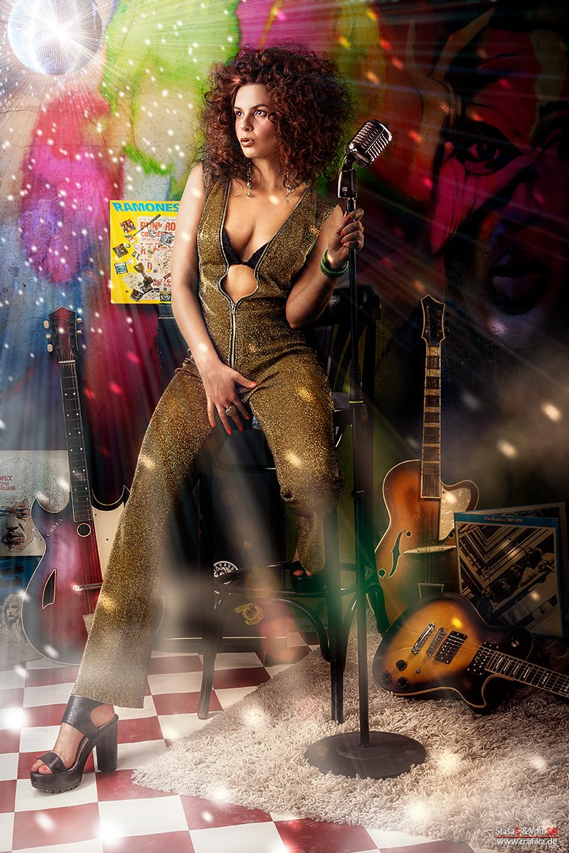 glam, rock, lp, microphone, lady, gold, wall, ball, music, guitar, hair, Von Sel