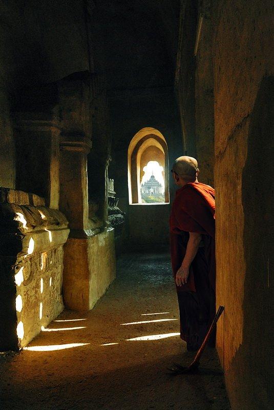 бирма,баган,монах,пагода,храм, fotomafia